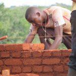 Mauern im Verband mit ungebrannten, luftgetrockneten Lehmsteinen